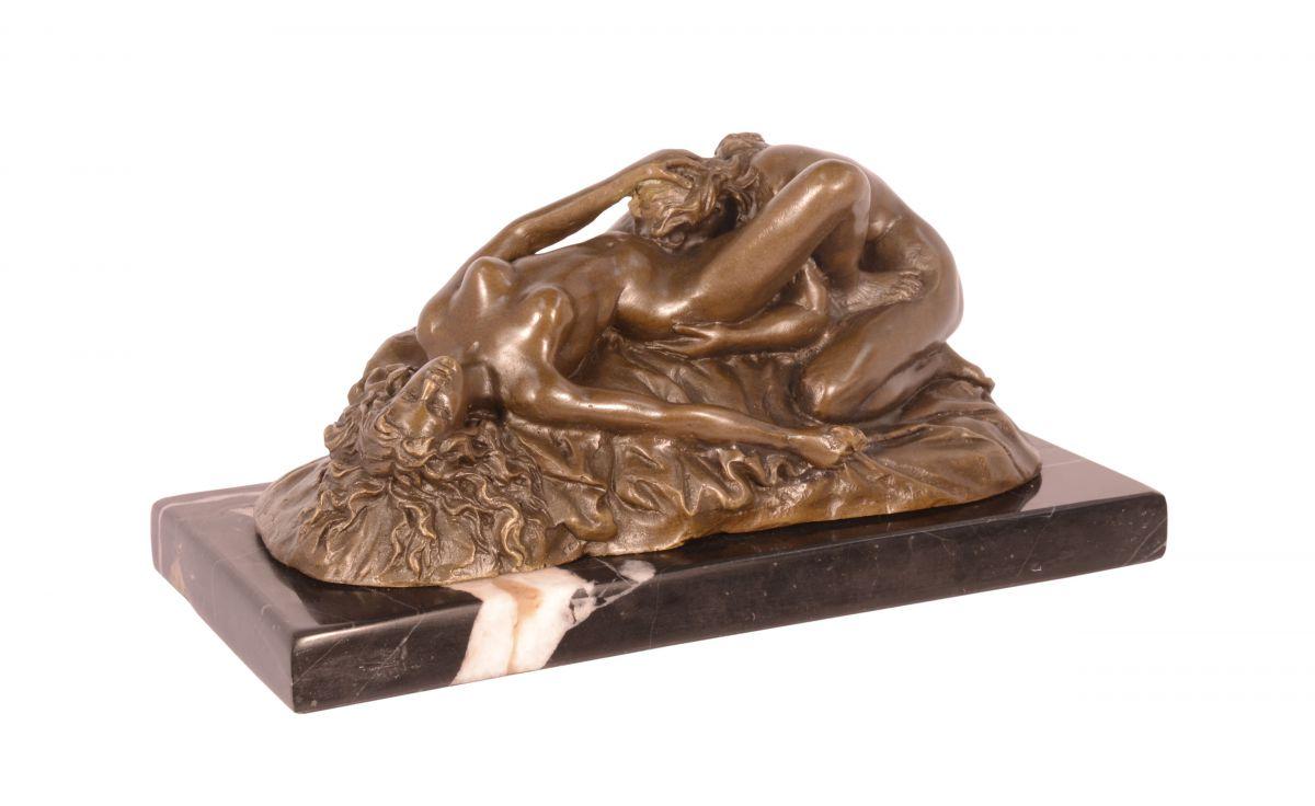Бронзовая статуэтка лесбиянок BrokInCZ