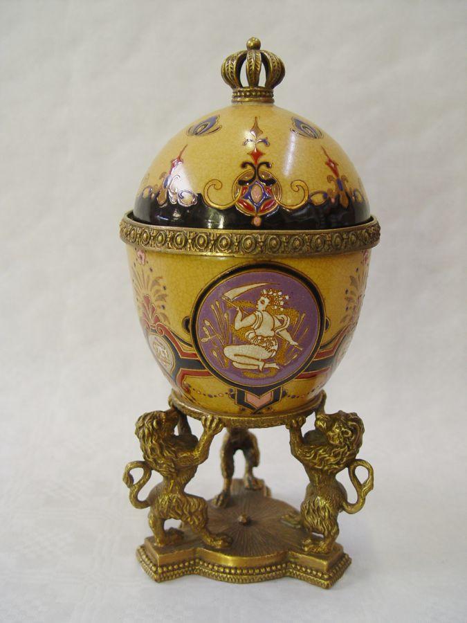 Шкатулка из фарфора и бронзы - Яйцо