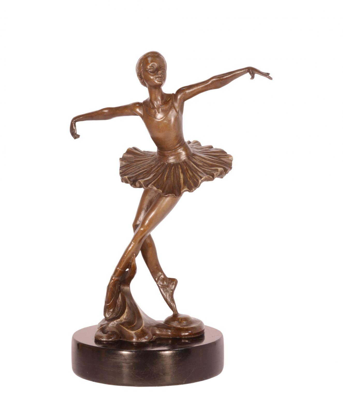Бронзовая балерина BrokInCZ