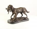 Бронзовая статуя - Охотничья собака с добычей