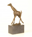бронзовая статуя жирафа BrokInCZ