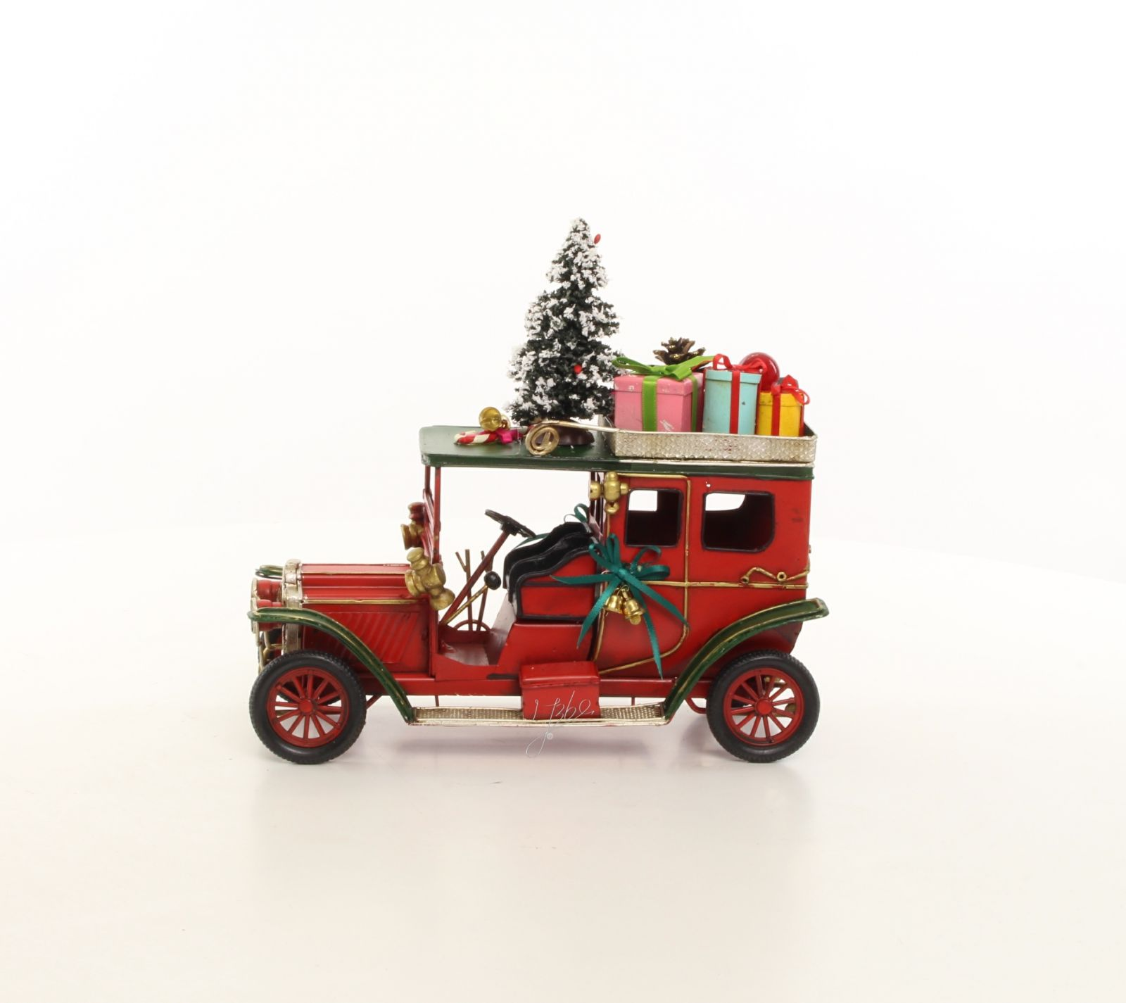 Рождественская ретро машина