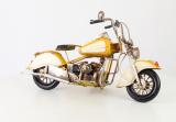 Металлическая модель жёлтого  мотоцикла