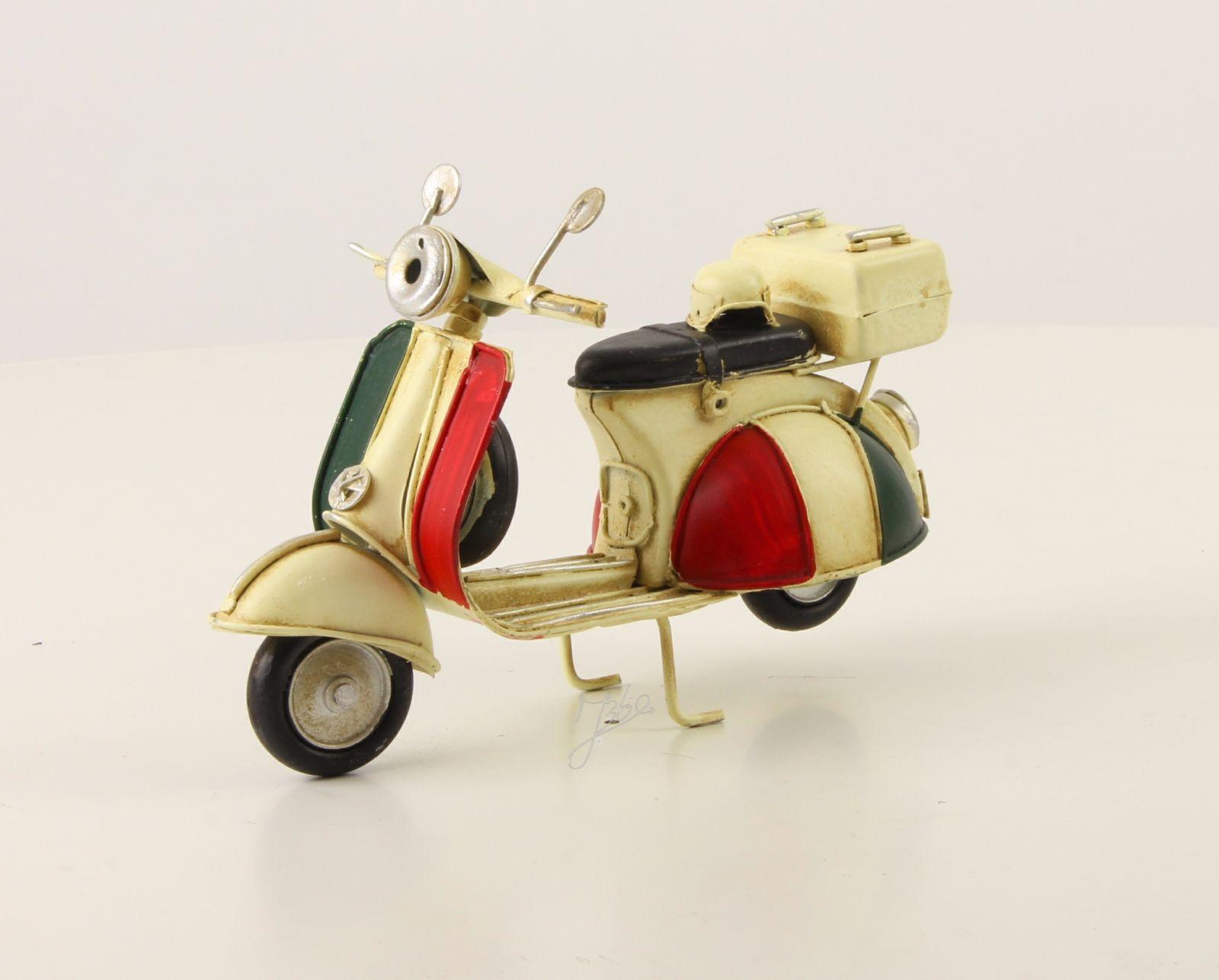 Ретро модель скутера BrokInCZ