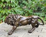 Большой бронзовый лев BrokInCZ