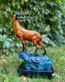 Статуя оленя из бронзы BrokInCZ