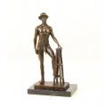 Бронзовая эротическая статуэтка - Обнаженный мужчина в шляпе