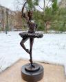 Бронзовая фигурка балерины танцовщицы