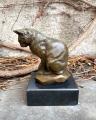Фигурка кошки из бронзы