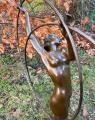 Статуя танцовщицы с обручем из бронзы