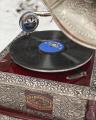 Квадратный ретро серебрянный граммофон с трубой - реплика
