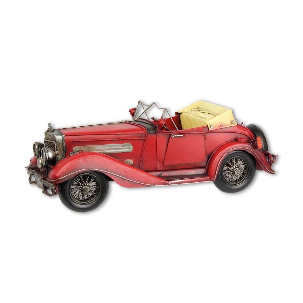 Металлический старый ретро автомобиль