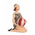 Полирезиновая статуэтка - Девушка c мячом