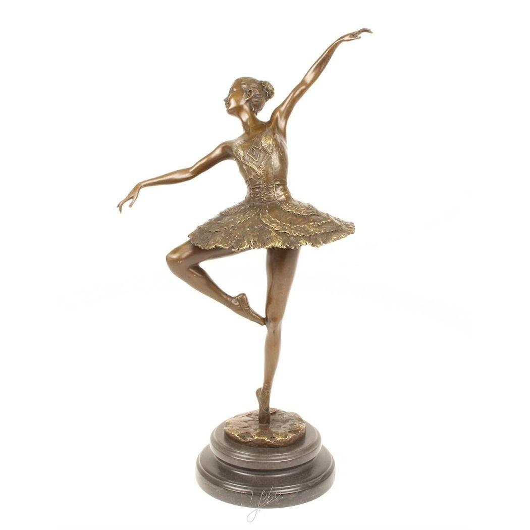 Большая бронзовая фигурка балерины танцовщицы