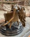 Эротическая бронзовая статуэтка обнаженной сексуальной женщины на стуле