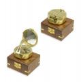 Латунный компас в деревянной коробке